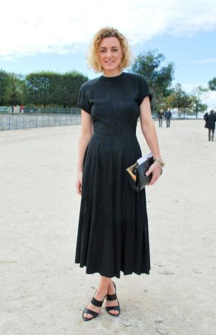 40 How to Wear Tea Lengh Dresses Street Style Ideas 32