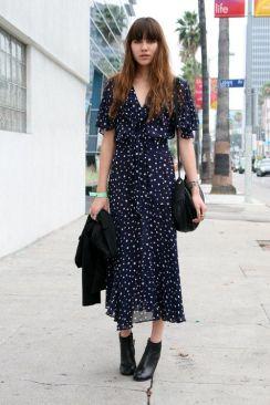 40 How to Wear Tea Lengh Dresses Street Style Ideas 37