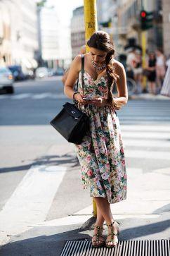 40 How to Wear Tea Lengh Dresses Street Style Ideas 38