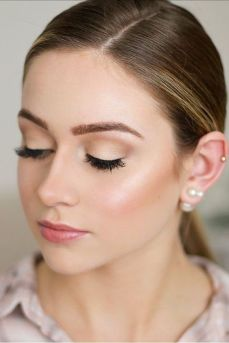 40 Natural Wedding Makeup Ideas 39