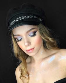 40 Night Party Makeup Look You Should Try 13