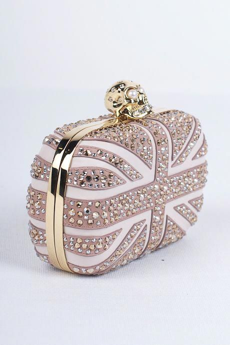 50 Chic Clutch Party Ideas 1