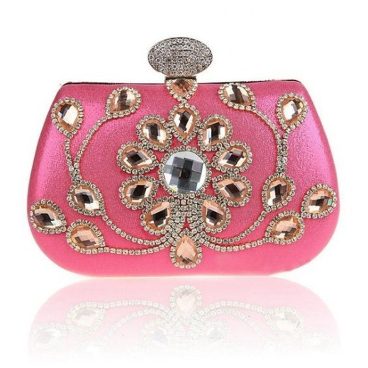 50 Chic Clutch Party Ideas 21