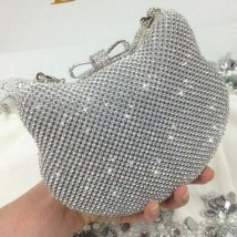 50 Chic Clutch Party Ideas 39