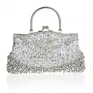 50 Chic Clutch Party Ideas 46