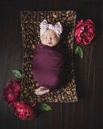 50 Cute Newborn Photos for Baby Girl Ideas 23