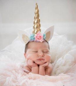 50 Cute Newborn Photos for Baby Girl Ideas 47