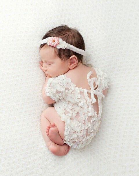 50 Cute Newborn Photos for Baby Girl Ideas 6
