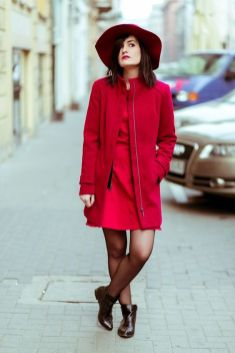 50 Fashionable Red Outfit Ideas 22