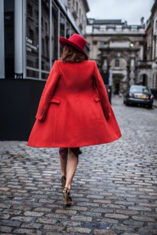 50 Fashionable Red Outfit Ideas 36