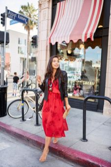 50 Fashionable Red Outfit Ideas 53