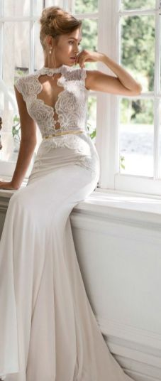50 Simple Glam Victorian Neck Style Bridal Dresses Ideas 13