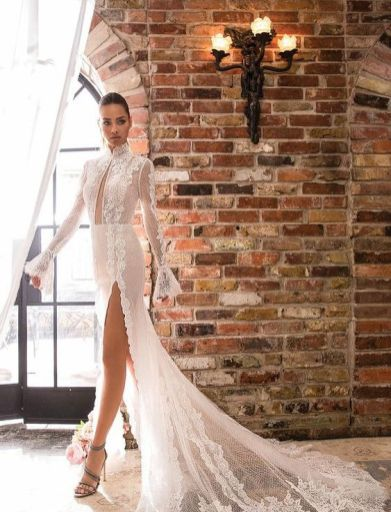 50 Simple Glam Victorian Neck Style Bridal Dresses Ideas 28