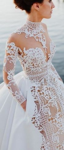 50 Simple Glam Victorian Neck Style Bridal Dresses Ideas 33