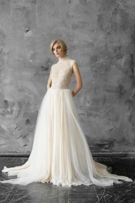 50 Simple Glam Victorian Neck Style Bridal Dresses Ideas 43