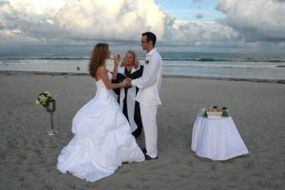 60 Beach Wedding Themed Ideas 18
