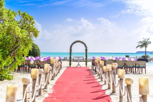 60 Beach Wedding Themed Ideas 36