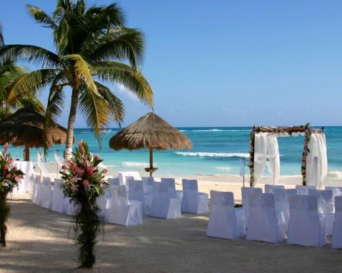 60 Beach Wedding Themed Ideas 37