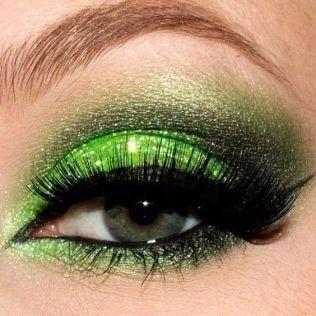 40 Green Eyeshadow Looks Ideas 13