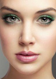 40 Green Eyeshadow Looks Ideas 24