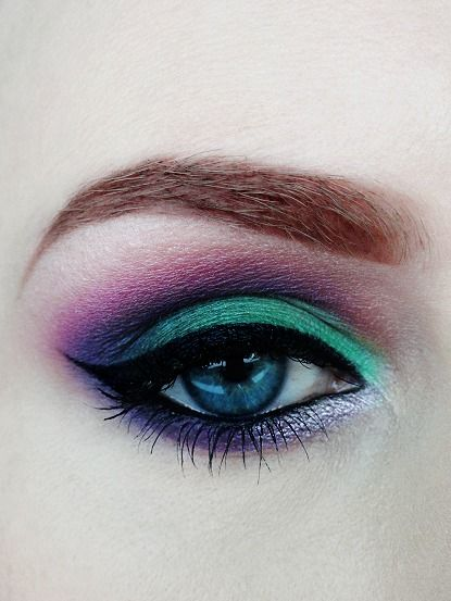 40 Green Eyeshadow Looks Ideas 34