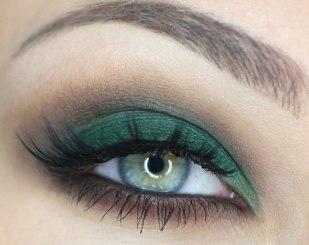 40 Green Eyeshadow Looks Ideas 36