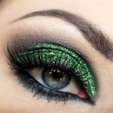 40 Green Eyeshadow Looks Ideas 39