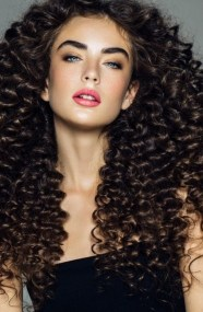 40 Loose Curly Natural Hairstyle Ideas 27