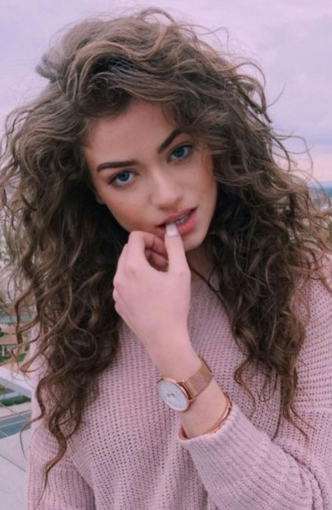 40 Loose Curly Natural Hairstyle Ideas 38