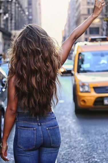 40 Loose Curly Natural Hairstyle Ideas 5