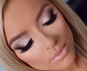 40 Silver Eye Makeup Looks You Need to Try 28