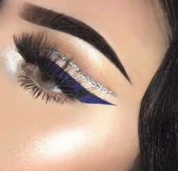 40 Silver Eye Makeup Looks You Need to Try 30