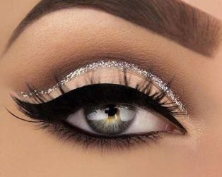 40 Silver Eye Makeup Looks You Need to Try 38