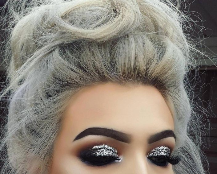 40 Silver Eye Makeup Looks You Need to Try 4