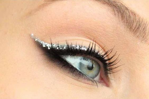 40 Silver Eye Makeup Looks You Need to Try 40