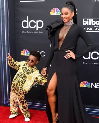 40 The Looks You Need to See From Billboard Music Awards 2019 Red Carpet 28