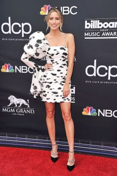 40 The Looks You Need to See From Billboard Music Awards 2019 Red Carpet 33