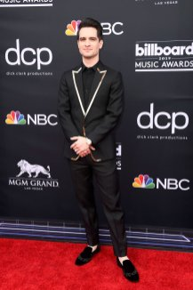 40 The Looks You Need to See From Billboard Music Awards 2019 Red Carpet 34