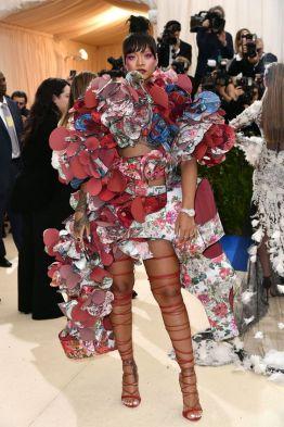 50 Adorable Met Gala Celebrities Fashion 25