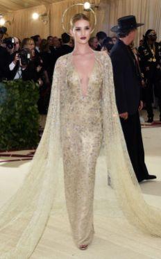 50 Adorable Met Gala Celebrities Fashion 26