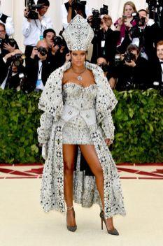 50 Adorable Met Gala Celebrities Fashion 30