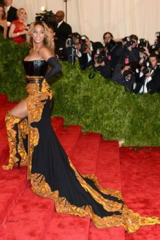 50 Adorable Met Gala Celebrities Fashion 4