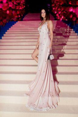 50 Adorable Met Gala Celebrities Fashion 51