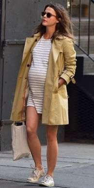50 Comfy and Stylish Maternity Outfits Street Style Looks 1
