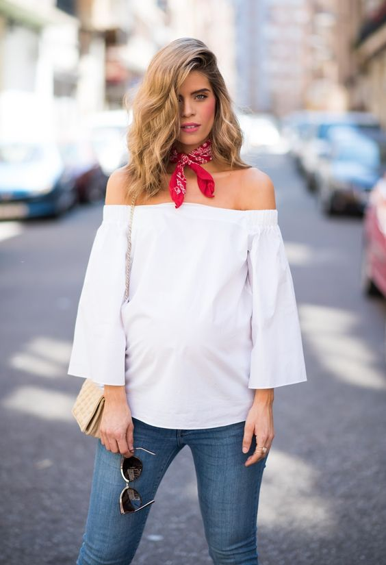 50 Comfy and Stylish Maternity Outfits Street Style Looks 21