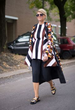 50 Comfy and Stylish Maternity Outfits Street Style Looks 4