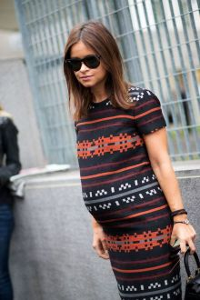 50 Comfy and Stylish Maternity Outfits Street Style Looks 9
