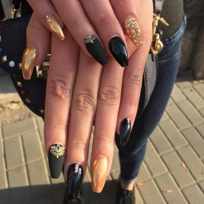 50 Glam Gold Girly Nail Art Looks Ideas 29
