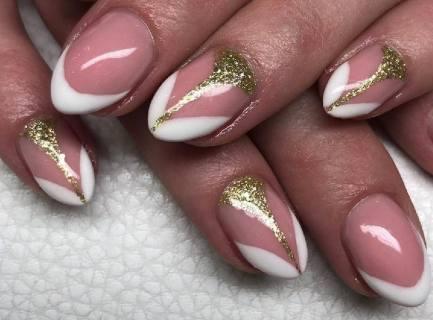 50 Glam Gold Girly Nail Art Looks Ideas 39