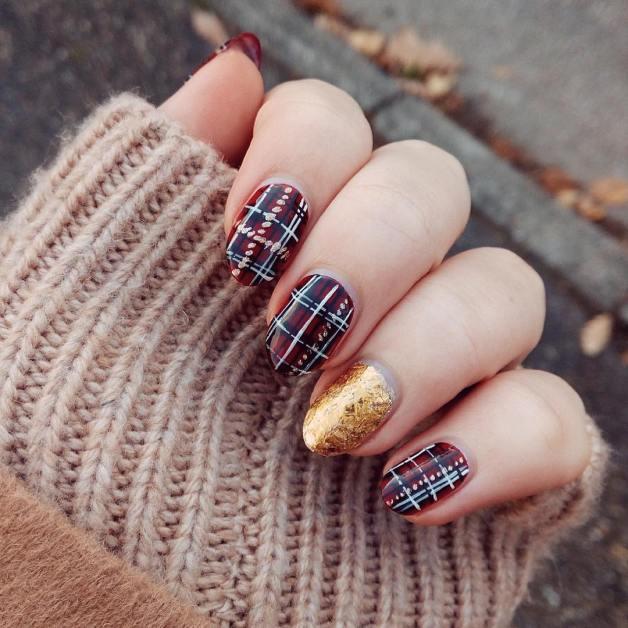 50 Glam Gold Girly Nail Art Looks Ideas 40